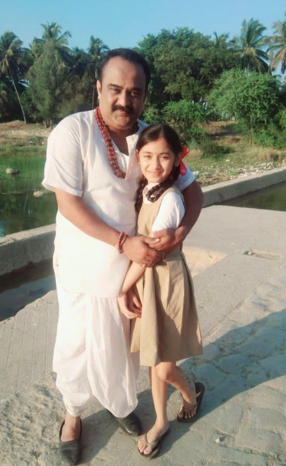 Bhavya Sirohi and Ragi Jani in Vitthal Teedi (2021)