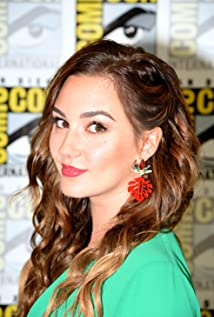 Katherine Barrell Picture