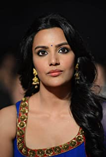 Priya Anand Picture