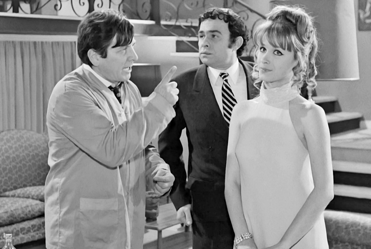Hronis Exarhakos, Nora Valsami, and Kostas Voutsas in O gois (1969)
