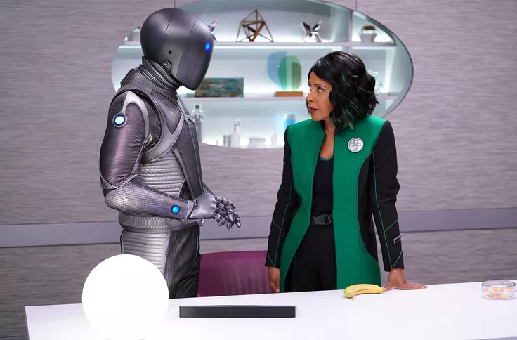 Penny Johnson Jerald and Mark Jackson in The Orville (2017)