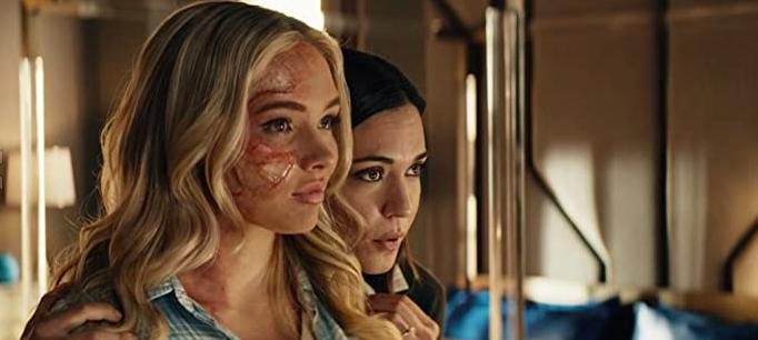 Odette Annable and Natalie Alyn Lind
