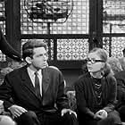 Erika Broyer, Matina Karra, Harry Klynn, Telis Zotos, and Amalia Lahana in Ta 201 kanarinia (1964)