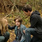 Amy Acker, Stephen Moyer, and Percy Hynes White in The Gifted (2017)