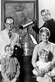 Harlen Carraher, Kellie Flanagan, Hope Lange, Edward Mulhare, and Charles Nelson Reilly in The Ghost & Mrs. Muir (1968)