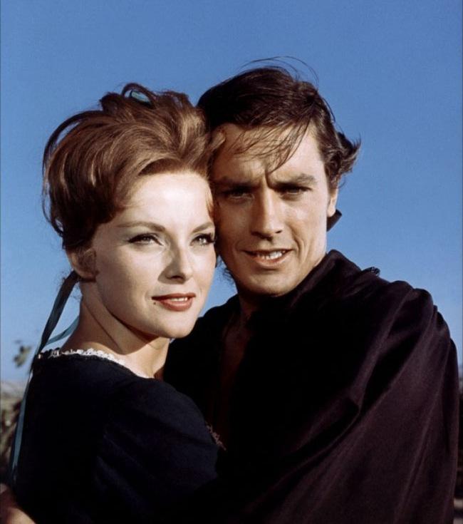 Alain Delon and Virna Lisi in La tulipe noire (1964)
