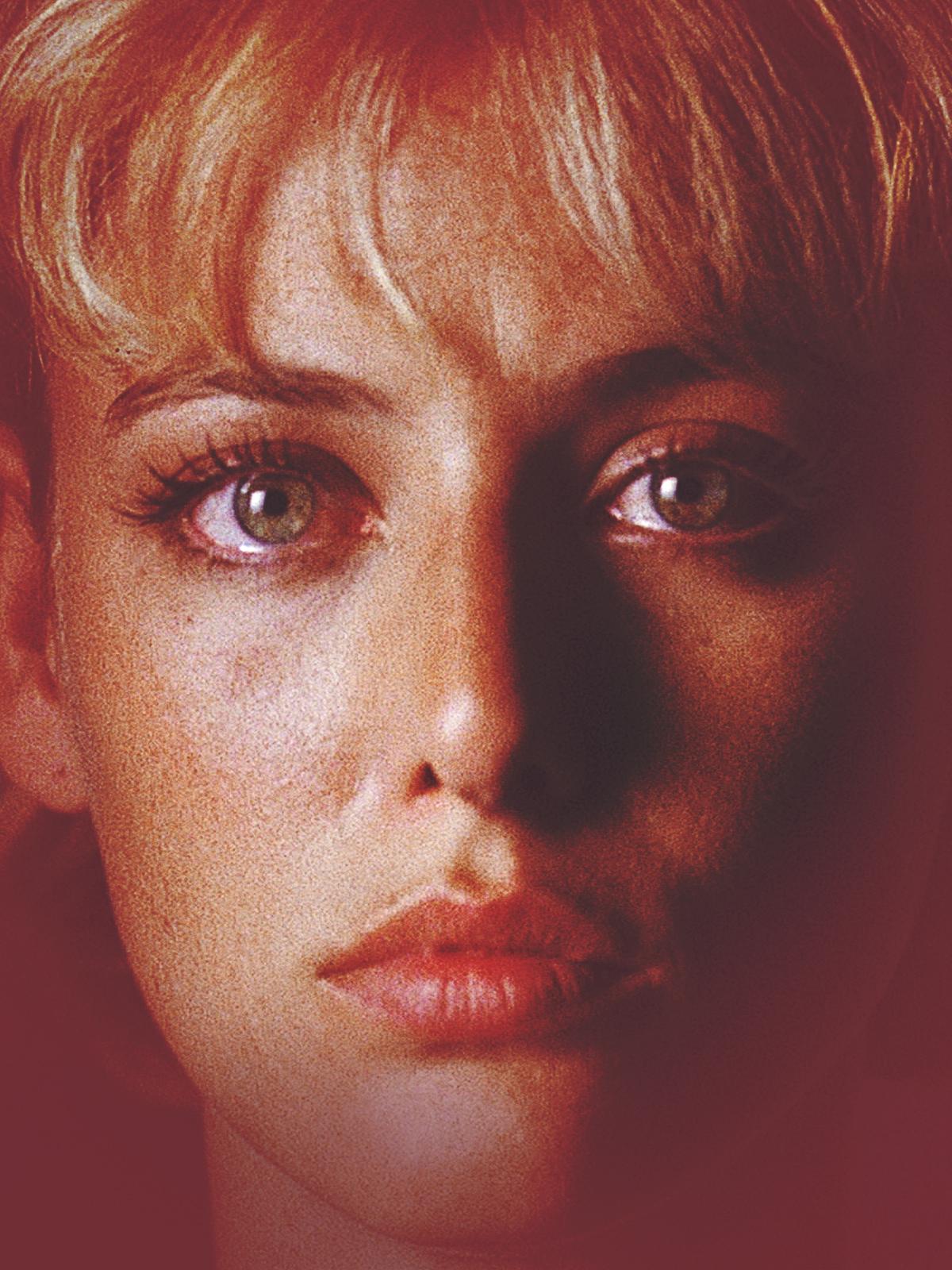 Virginia Madsen in A Murderous Affair: The Carolyn Warmus Story (1992)