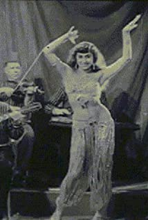 Nana Aslanoglu Picture