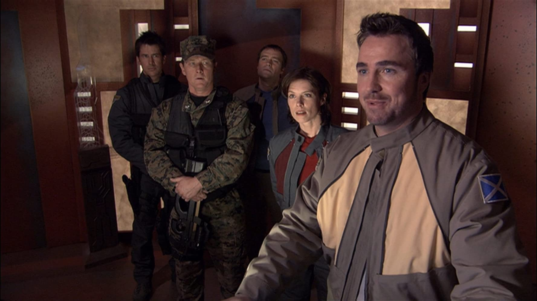 Robert Patrick, Joe Flanigan, David Hewlett, Torri Higginson, and Paul McGillion in Stargate: Atlantis (2004)