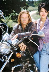 Jack Noseworthy and Lisa Dean Ryan in Dead at 21 (1994)