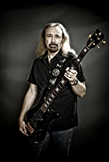 Ian Hill Picture