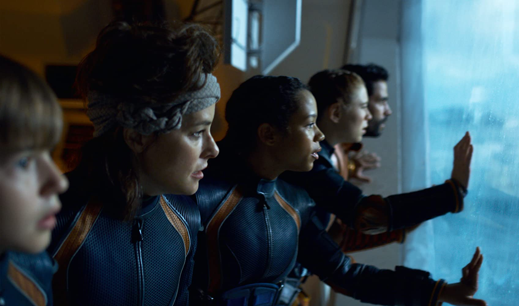Parker Posey, Ignacio Serricchio, Maxwell Jenkins, Mina Sundwall, and Taylor Russell in Lost in Space (2018)