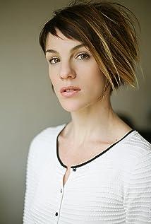 Claire Pérot Picture