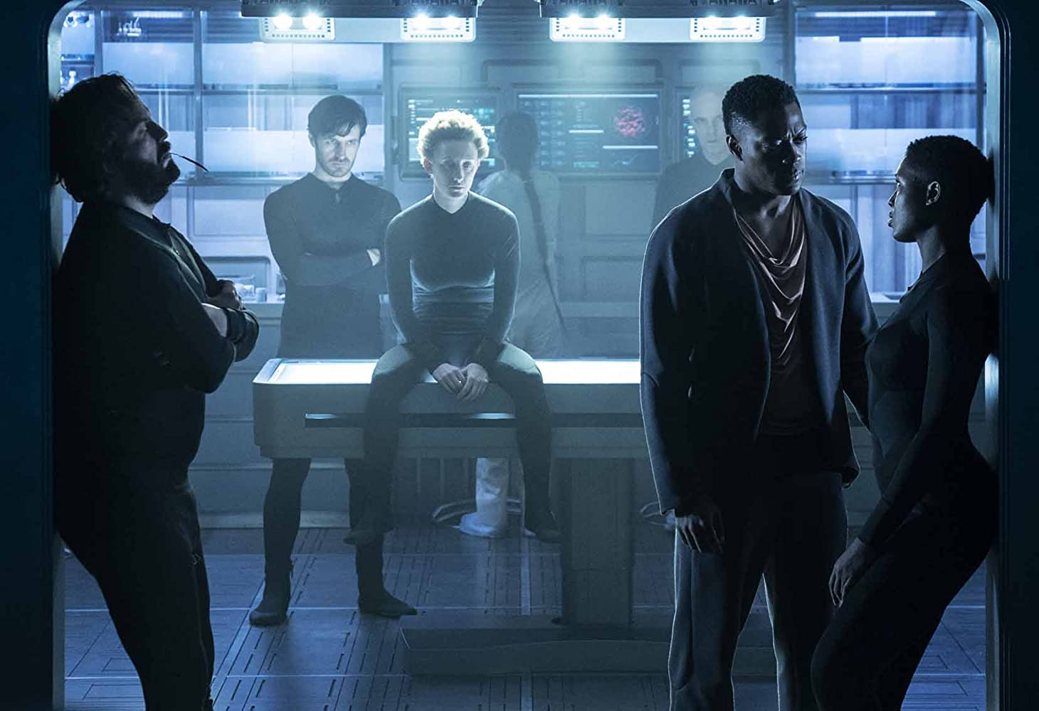 Angus Sampson, Maya Eshet, Eoin Macken, David Ajala, and Jodie Turner-Smith in Nightflyers (2018)