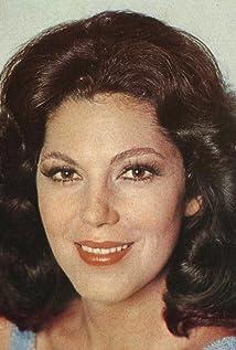 Ester Góes Picture