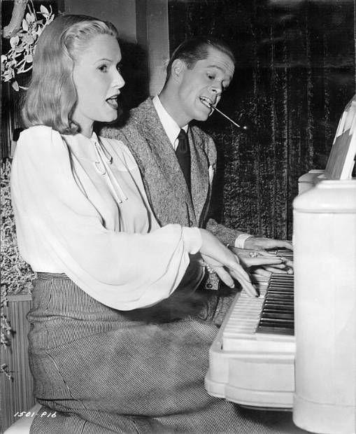 Dan Duryea and June Vincent in Black Angel (1946)