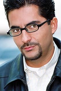 Raúl Araiza Picture