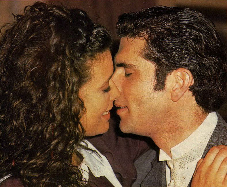 Luz María 1998