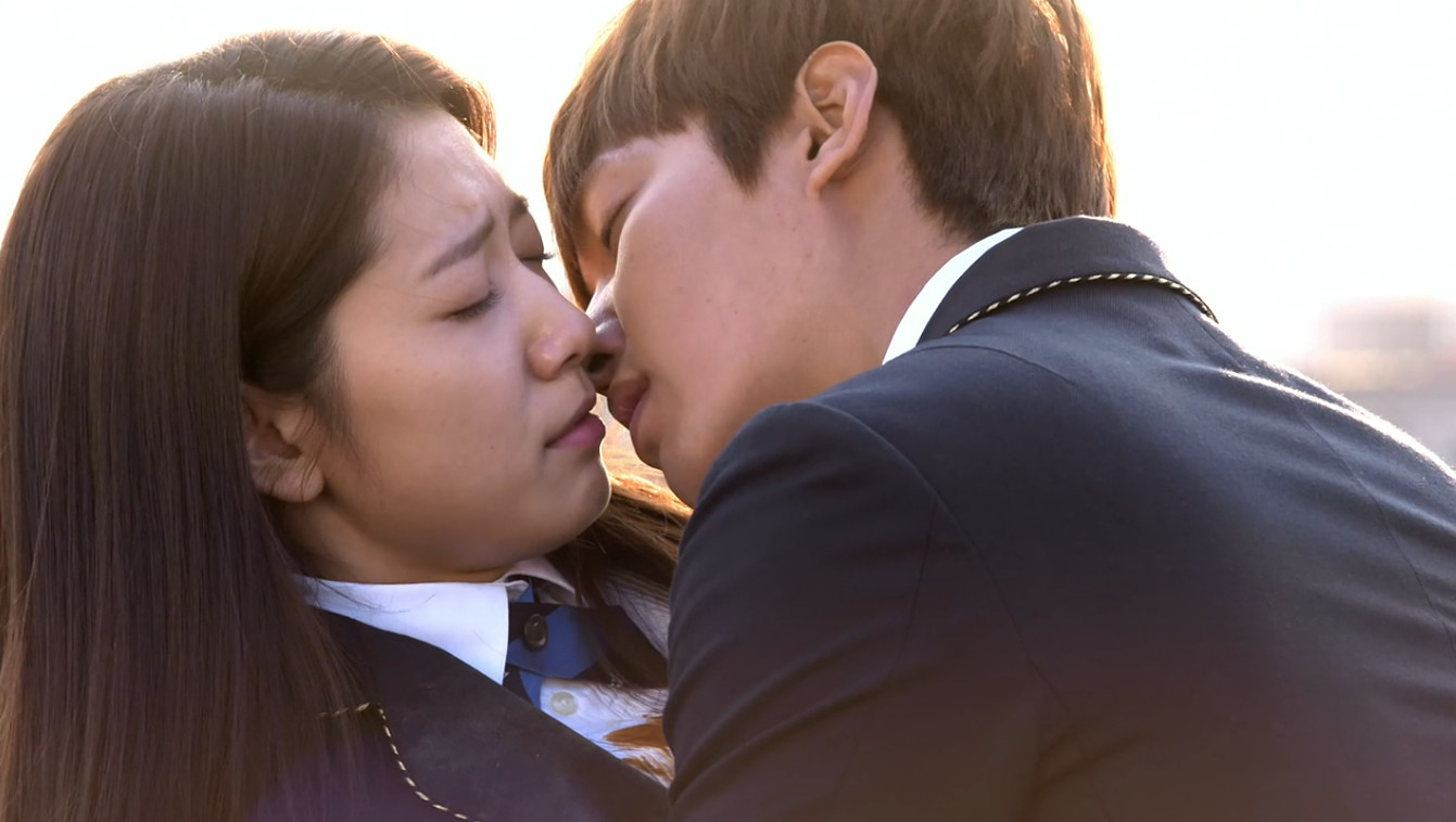 """Heirs"""" Kim Tan and Young Do Fight for Love (TV Episode 2013) - IMDb"""