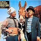 Chris Howland and Ralf Wolter in Durchs wilde Kurdistan (1965)