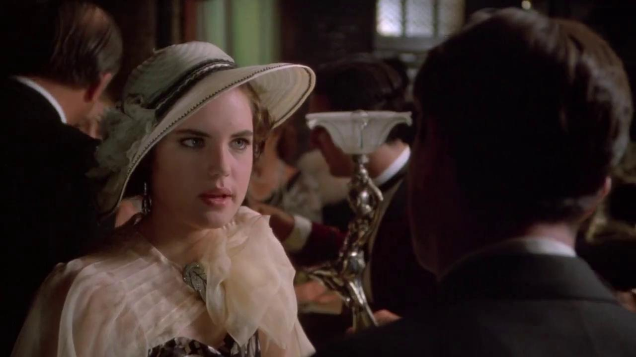 Robert De Niro and Elizabeth McGovern in Once Upon a Time in America (1984)