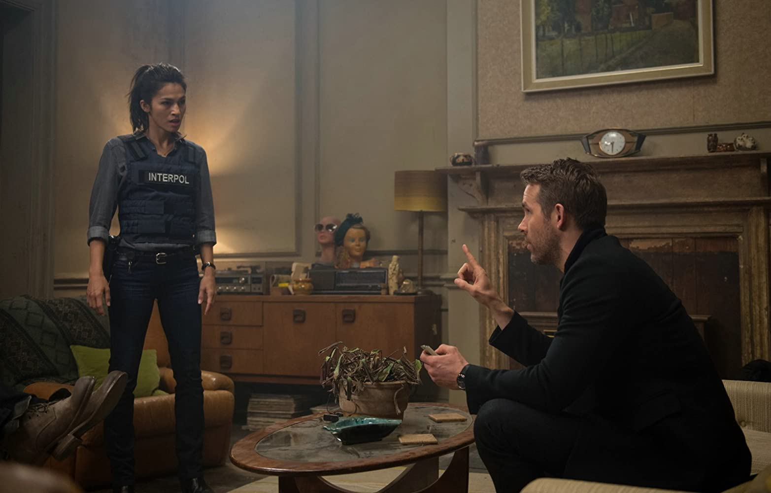 Ryan Reynolds and Elodie Yung in The Hitman's Bodyguard (2017)