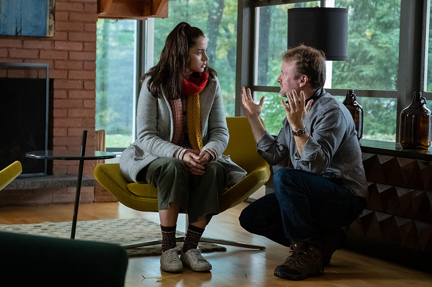 Rian Johnson and Ana de Armas in Knives Out (2019)