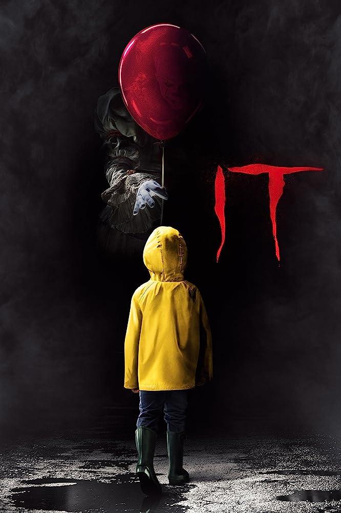 Bill Skarsgård and Jackson Robert Scott in It (2017)