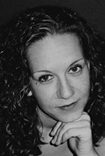 Nina Krstic Picture