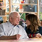 Ed Asner and Linda Cardellini in Dead to Me (2019)
