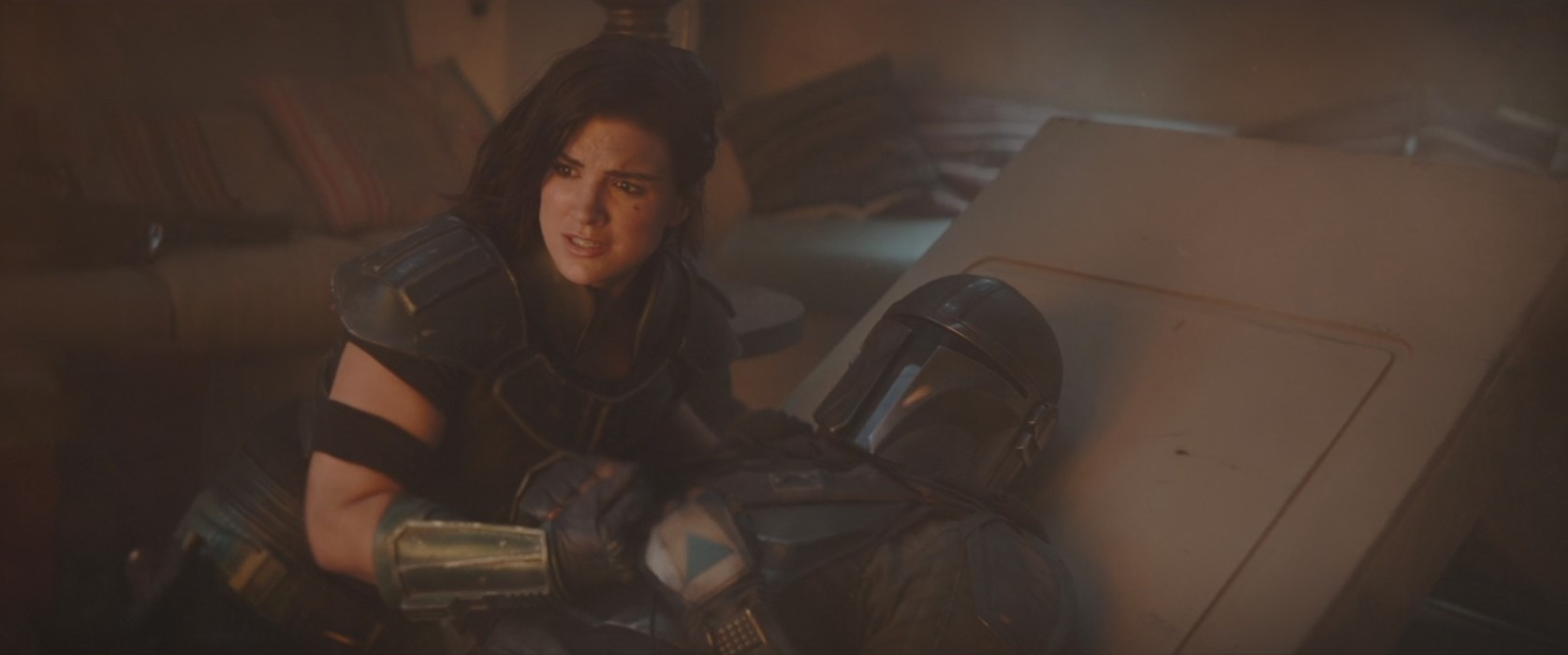 Pedro Pascal and Gina Carano in The Mandalorian (2019)