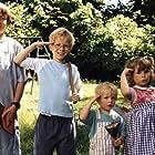 Stefan Pagels Andersen, Fritz Bjerre Donatzsky-Hansen, Benedikte Maria Mouritsen, and Mikkel Sundøe in Min søsters børn (2001)