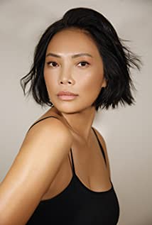 Navia Nguyen Picture
