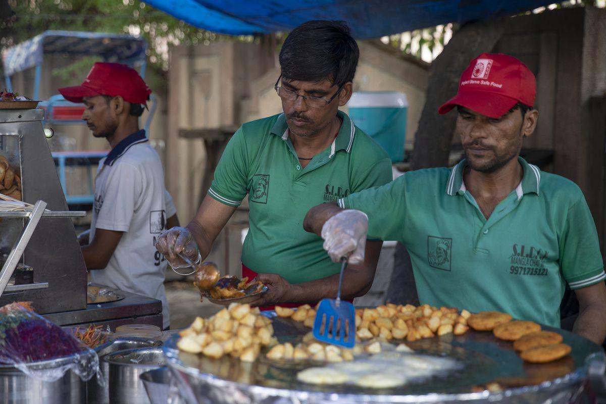 Street Food: Asia (2019)