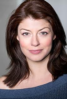 Elizabeth Boag Picture