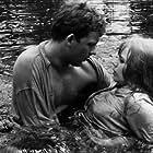 Börje Ahlstedt and Lena Nyman in Jag är nyfiken - en film i gult (1967)