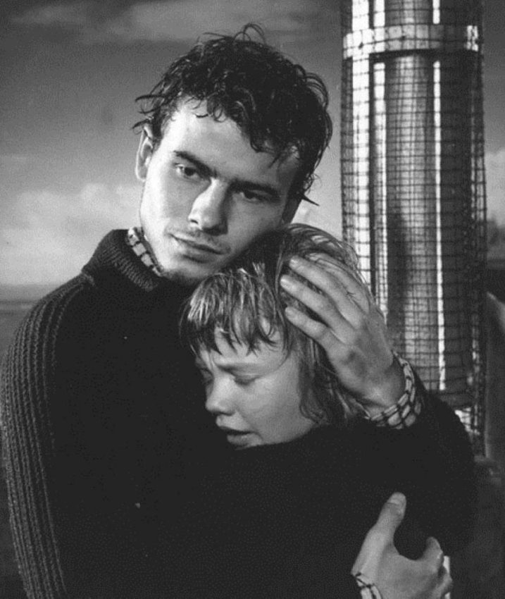 Hayley       Mills and Horst Buchholz in Tiger Bay (1959)