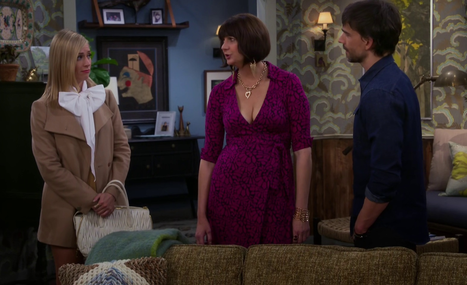 Christopher Gorham, Kerri Kenney, and Beth Behrs in 2 Broke Girls (2011)