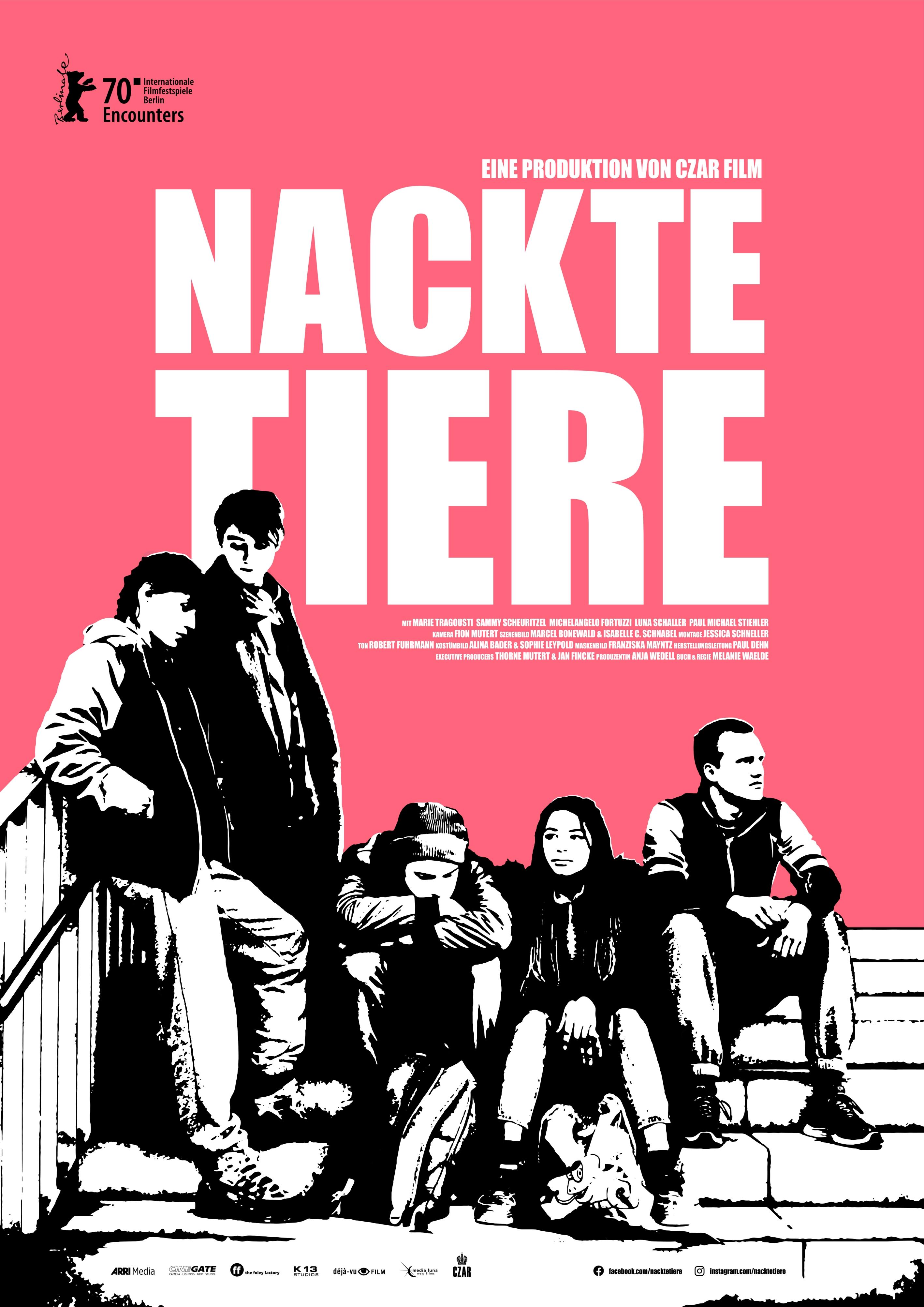 Marie Tragousti, Sammy Scheuritzel, Luna Baptiste Schaller, Michelangelo Fortuzzi, and Paul Michael Stiehler in Nackte Tiere (2020)