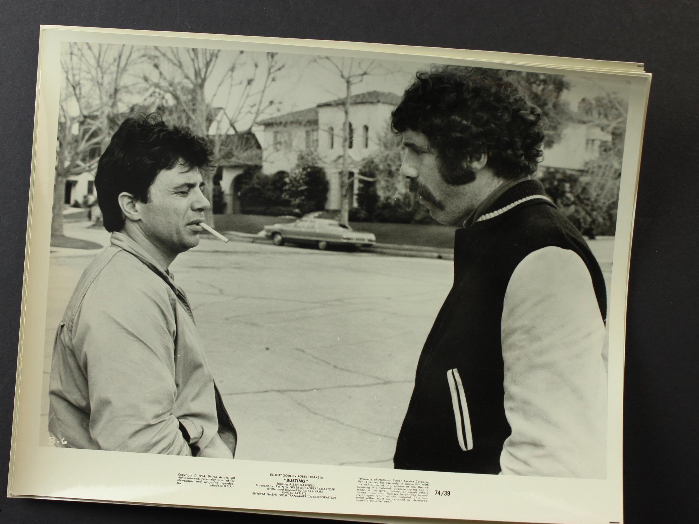 Elliott Gould and Robert Blake in Busting (1974)