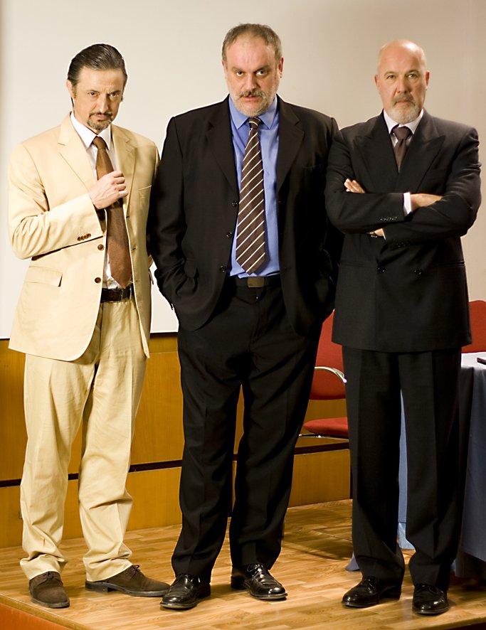 Alberto González, Aníbal Soto, and Juanma Lara in La Corporación (2008)
