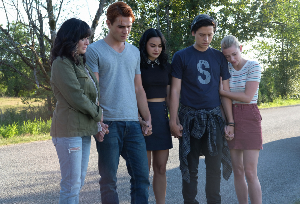 Shannen Doherty, Cole Sprouse, Lili Reinhart, Camila Mendes, and K.J. Apa in Riverdale (2017)