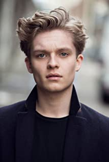 Tom Glynn-Carney Picture