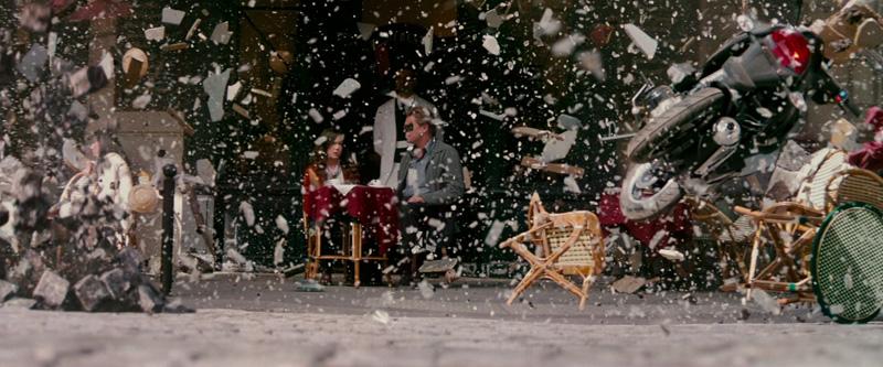 Leonardo DiCaprio and Ellen Page in Inception (2010)