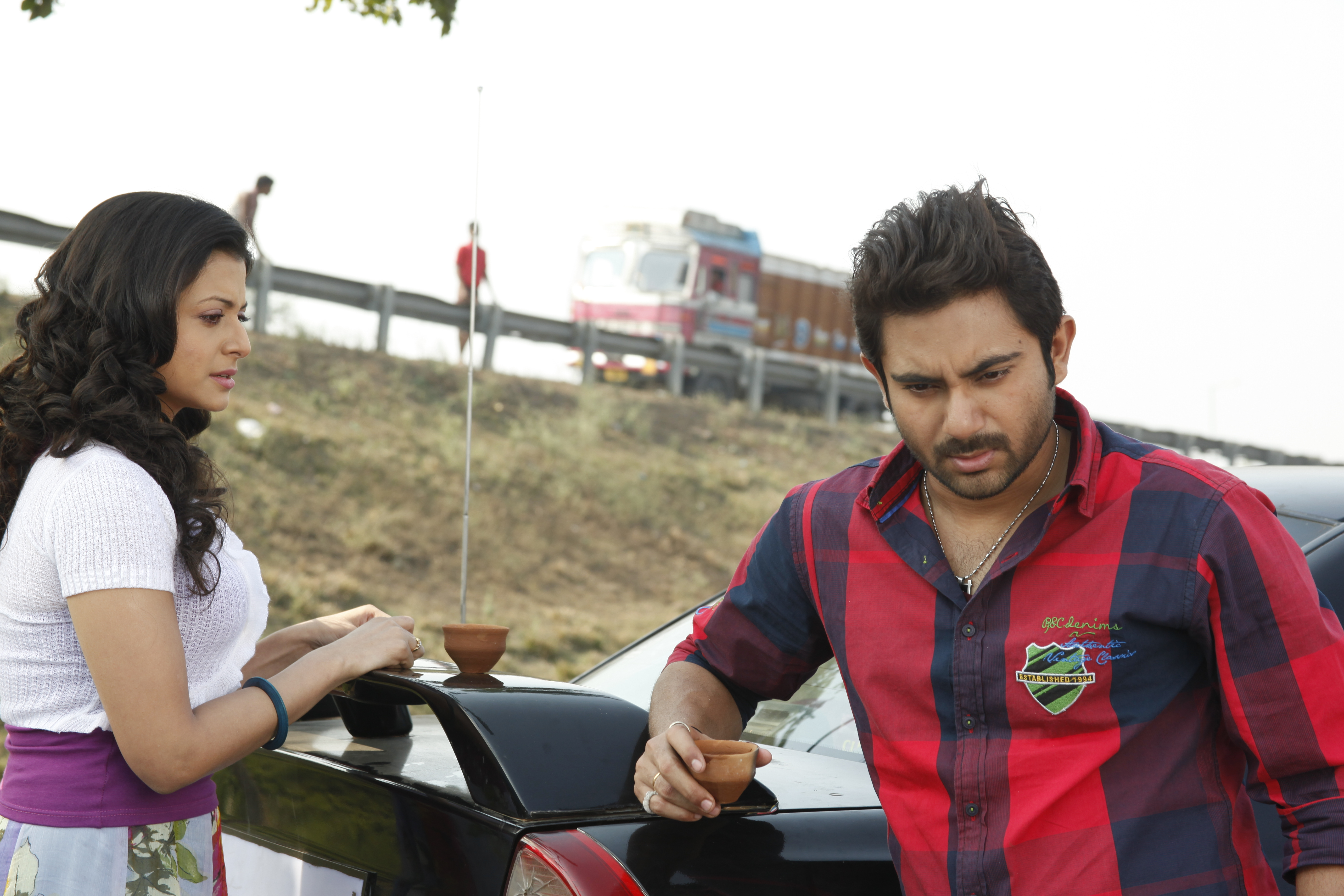 Soham Chakraborty and Koyel Mallick in Jaaneman (2012)