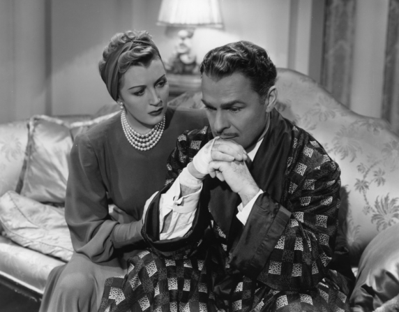 Brian Donlevy and Muriel Angelus in The Great McGinty (1940)