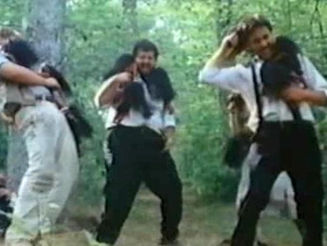 Una scena di assalto dei mostriciattoli