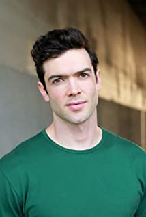 Ethan Peck Picture