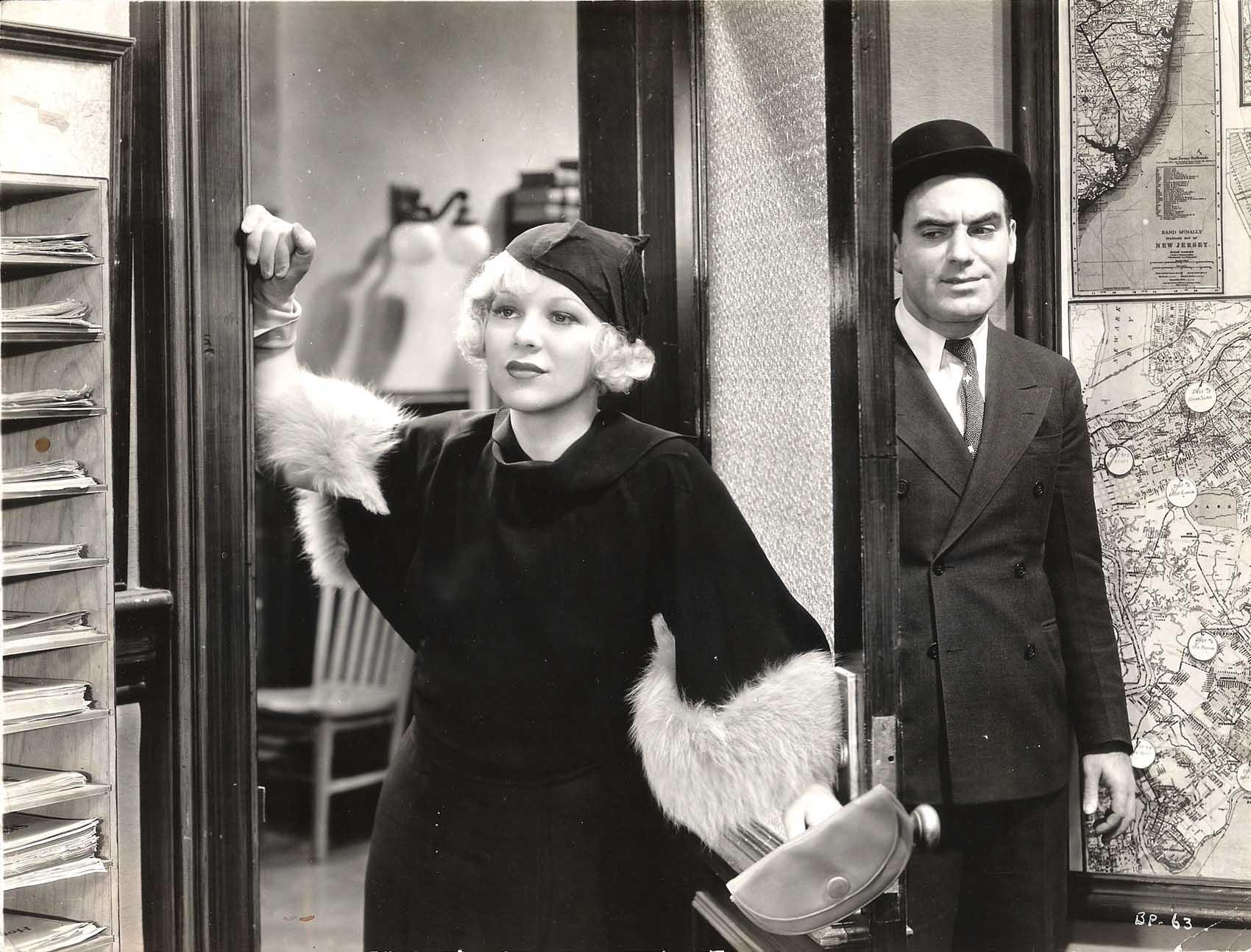 Pat O'Brien and Glenda Farrell in Bureau of Missing Persons (1933)