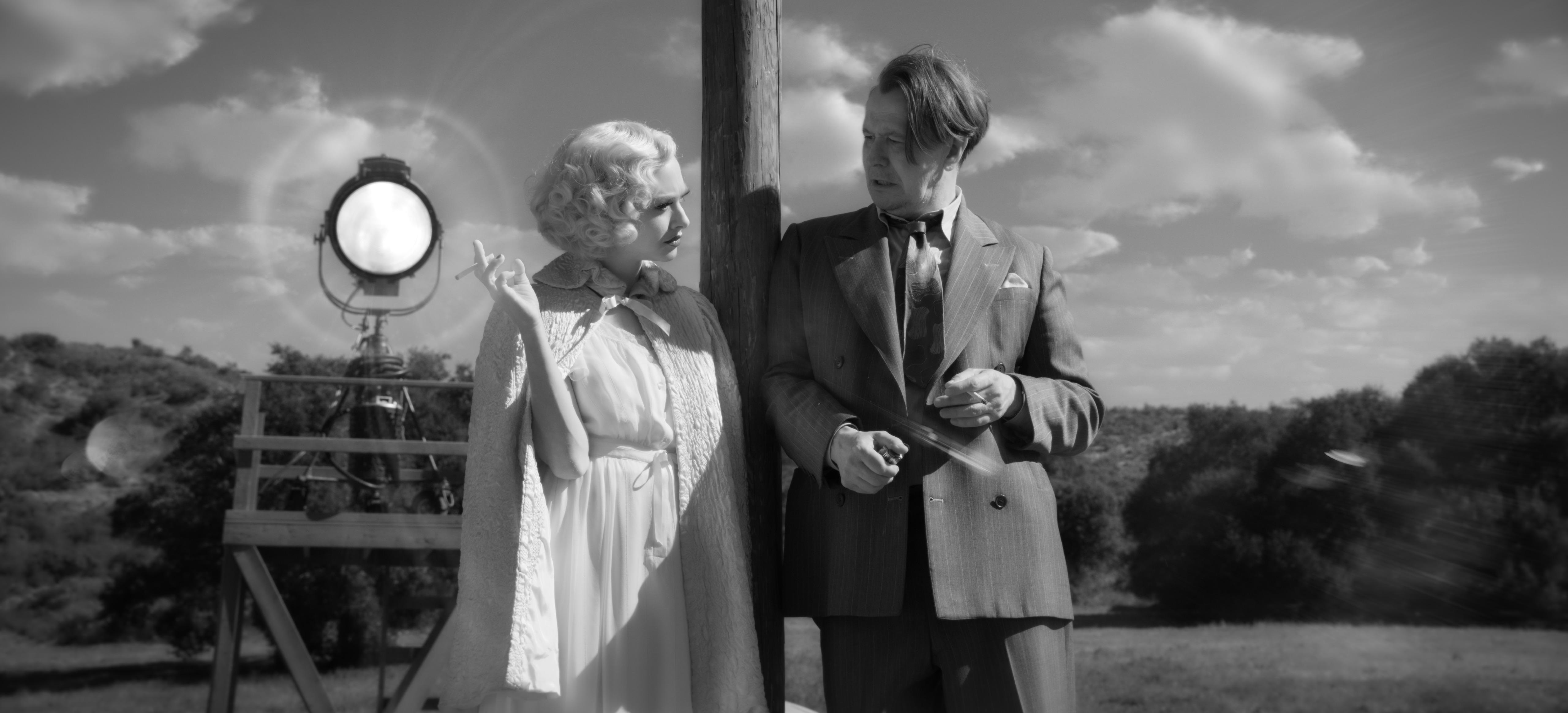Gary Oldman and Amanda Seyfried in Mank (2020)